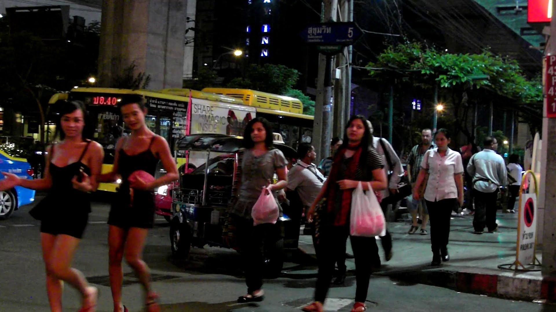 Sukhumvit Road gecehayatı