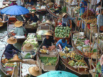 Bangkok Yüzen Pazar