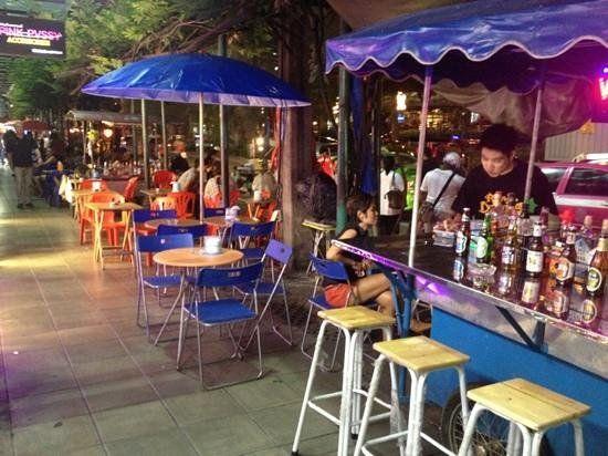 Bangkok sokak barı