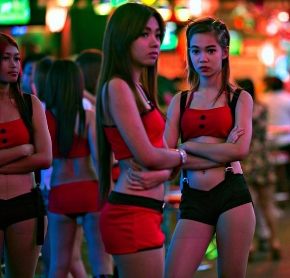Bangkok Soi Cowboy geceleri
