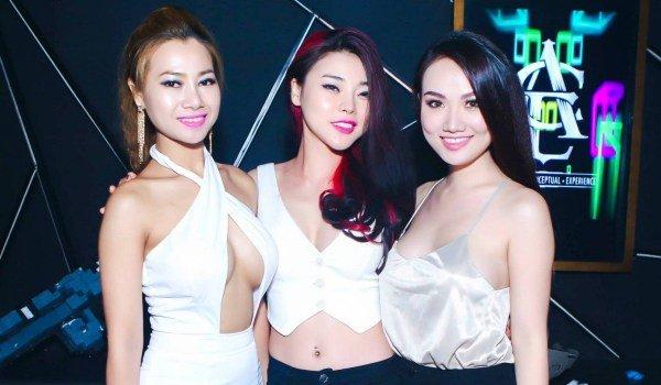 Vietnamlı kızlar