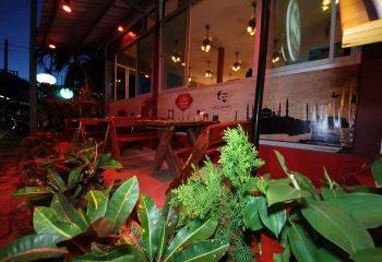 Phuket'te Bizden Biri Katatürk Restoran