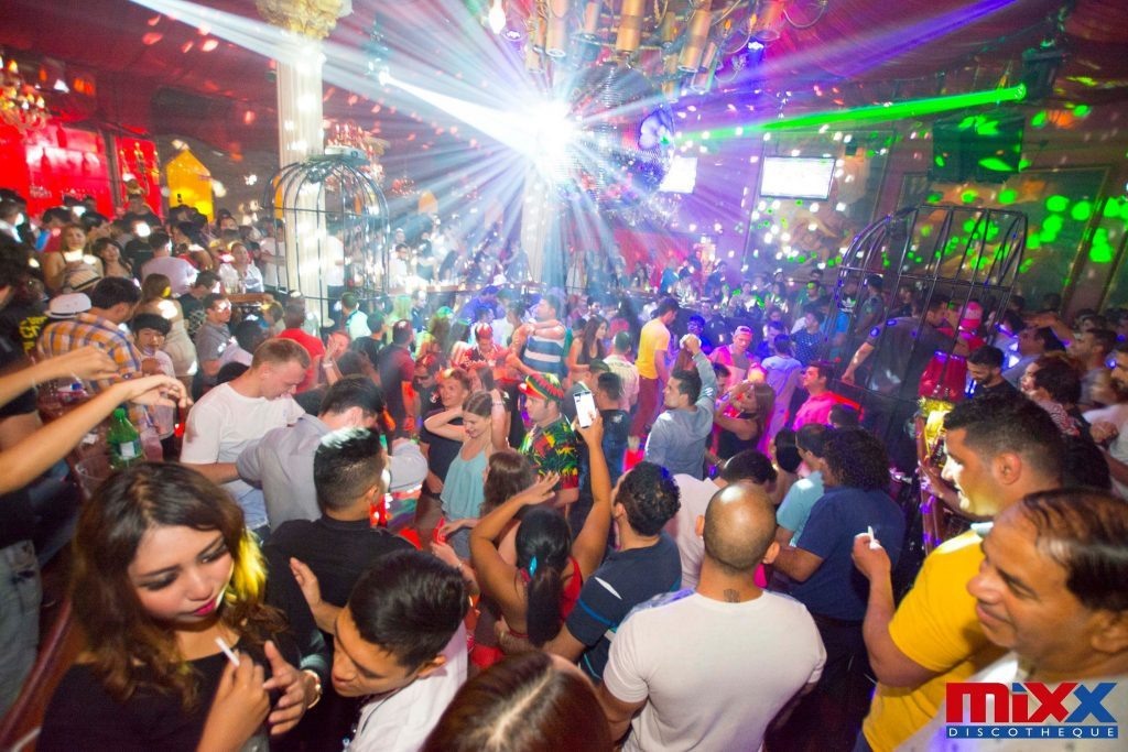 mixx-discotheque-pattaya_15-04-16_songkran-special-party_044-1024x683
