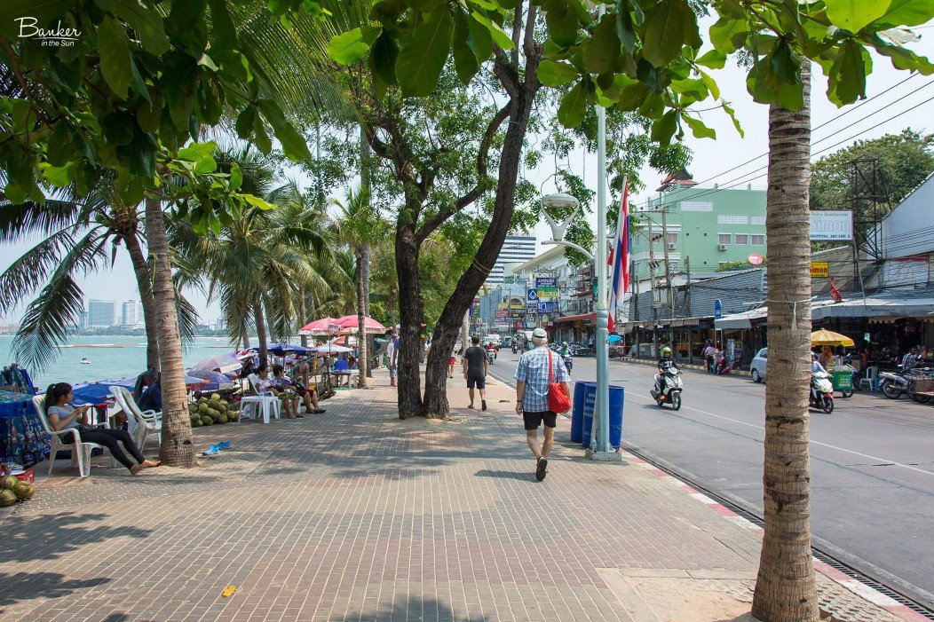 Pattaya-Beach-Road (1)
