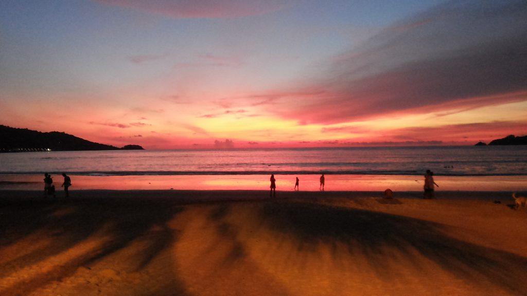 Patong Sahilinde Gün Batımı